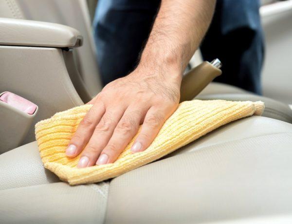 Cómo limpiar tapizado de auto