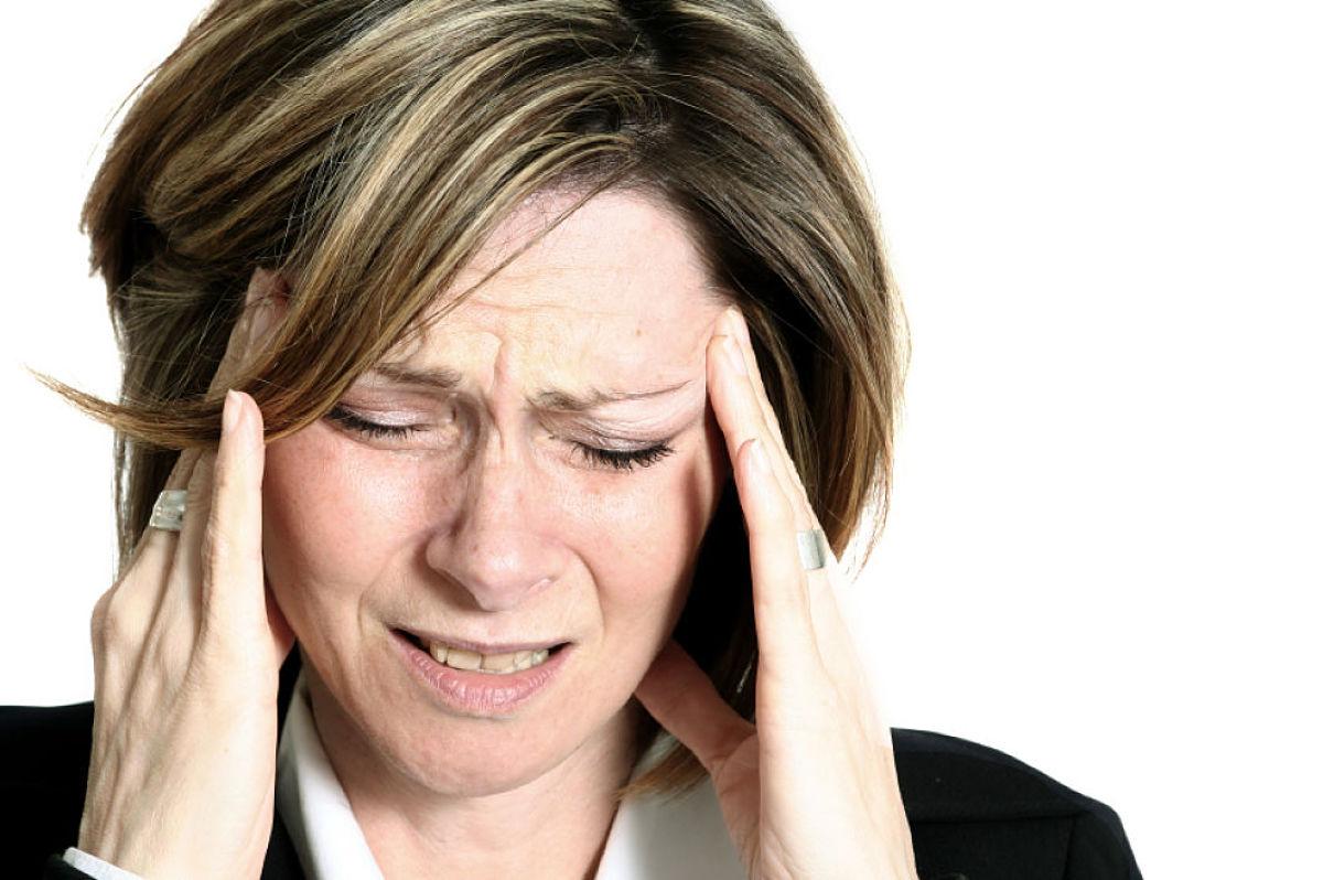 ACV dolor de cabeza