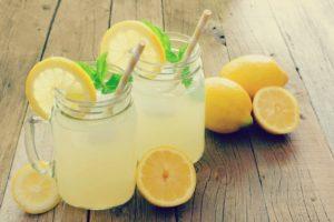 8 bebidas desintoxicantes