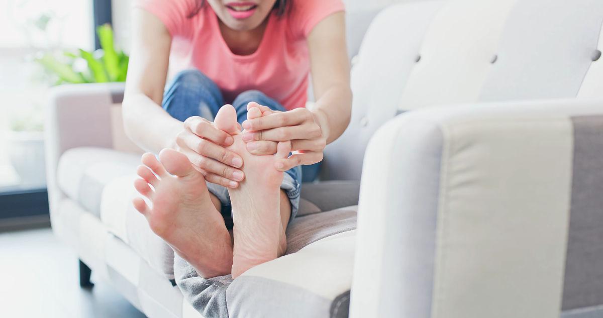 curar hongos de los pies