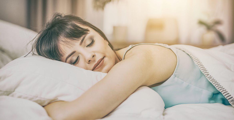 dormir bien para bajar de peso