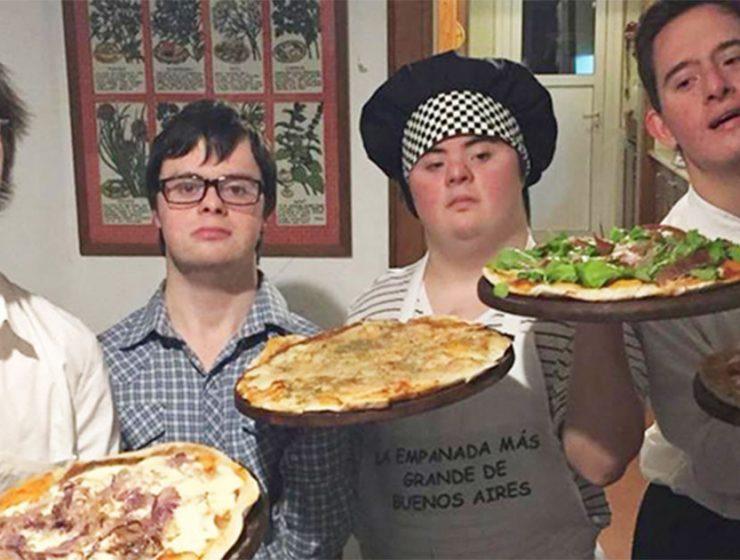 abren pizzeria chicos con sindrome de down